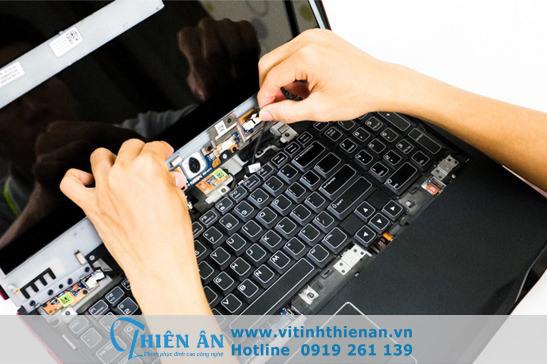 sua laptop uy tin tan phu