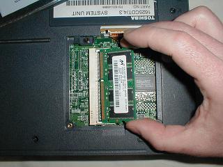 sua laptop bat khong len do loi ram laptop